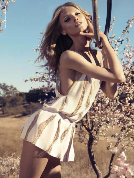 anna-selezneva-blumarine-spring-summer-2013-01